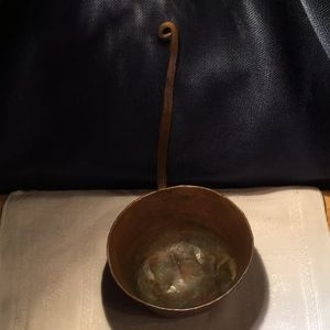 "Hammered Copper Ladle 11 "" Long 6 ""in diameter"